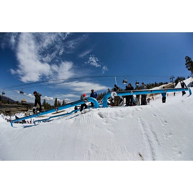 Team rider from #Minnesota @caseypflip⛄️#frostyheadwear #snowboarding