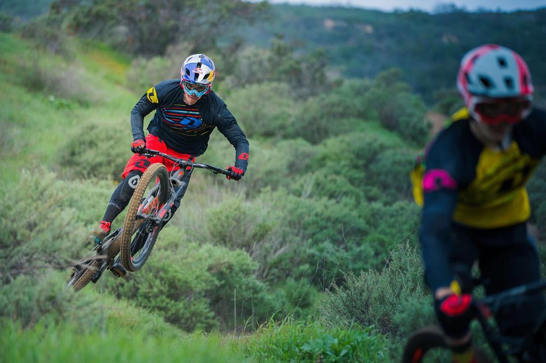 #Flashback Friday - @teamspecializedgravity riders @loicbruni29 & @lorisvergier having a blast shredding our local trails back in March. Get pumped for the latest episode of #BruniandVergieragainsttheworld dropping later today. Photo -...