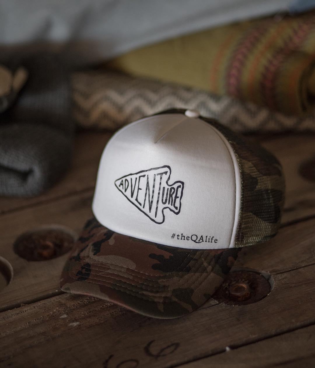 Las gorras camufladas salen igual, aunque nos hayamos olvidado de todo lo que es calor y el☀️ ¡Conseguilas en nuestros locales y tienda online!