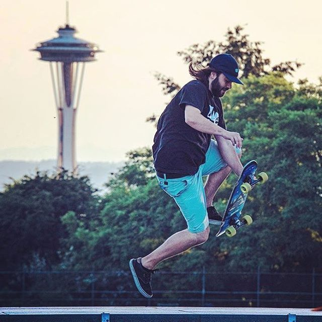 @equalmotion skating around Volunteer Park in Seattle on the Camp Mini Cruiser. #dblongboards #dbmini #spaceneedle #seattle #igers_seattle #skateboard #skateboarding #boneless #volunteerpark