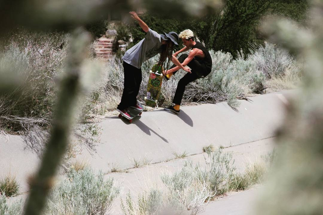 Team rider Adrian Da Kine--@adrian_da_kine and Sean Stratmeyer--@kurkylurk666 doubles line in the Albuquerque ditches! Both riding Da Kines!