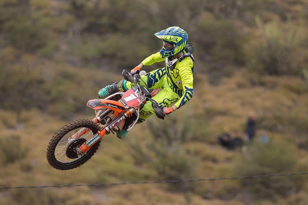 @joaquinpoli199 Campeón Argentino de Motocross y Rider de Fox Head Argentina. Hoy capturando la punta en la clasificación del Campeonato que se está llevando a cabo en Catamarca.  Éxitos campeón!  PH: @nico_jimenez_fotos