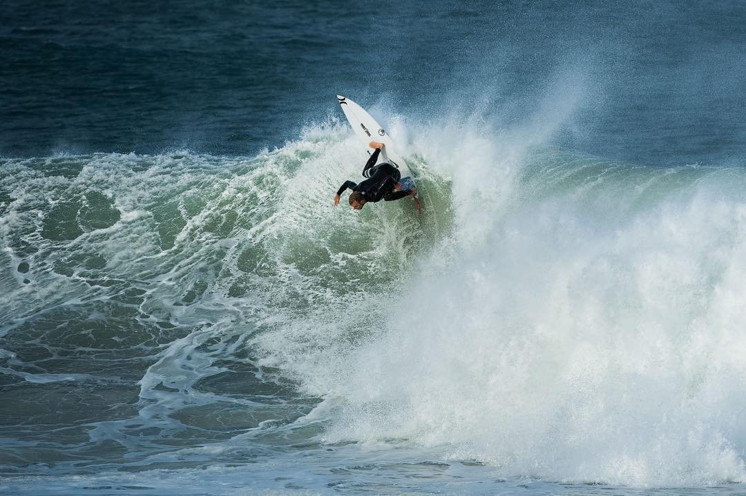#jbay is only two days away. Good luck to @alejomuniz and the rest of the @dragonalliance surf team.