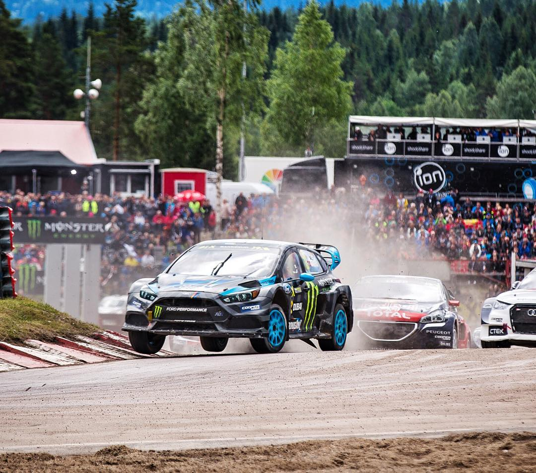 @AndreasBakkerud is first overall right now in qualification points here at #HoljesRX!! Dude is killing it. Check out the @FIAWorldRX live feed NOW to watch him in the semifinal and (hopefully) the final: http://fiaworldrallycross.com/live....