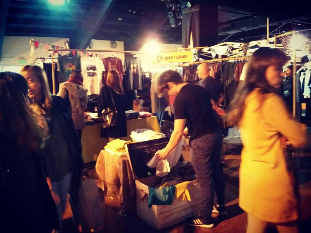 Estamos de Feria! Hasta las 20hs en El Hipódromo de San Isidro. Entrada por Av Marquez al 700. #maetuanis #surf #surfing #lasdomingas
