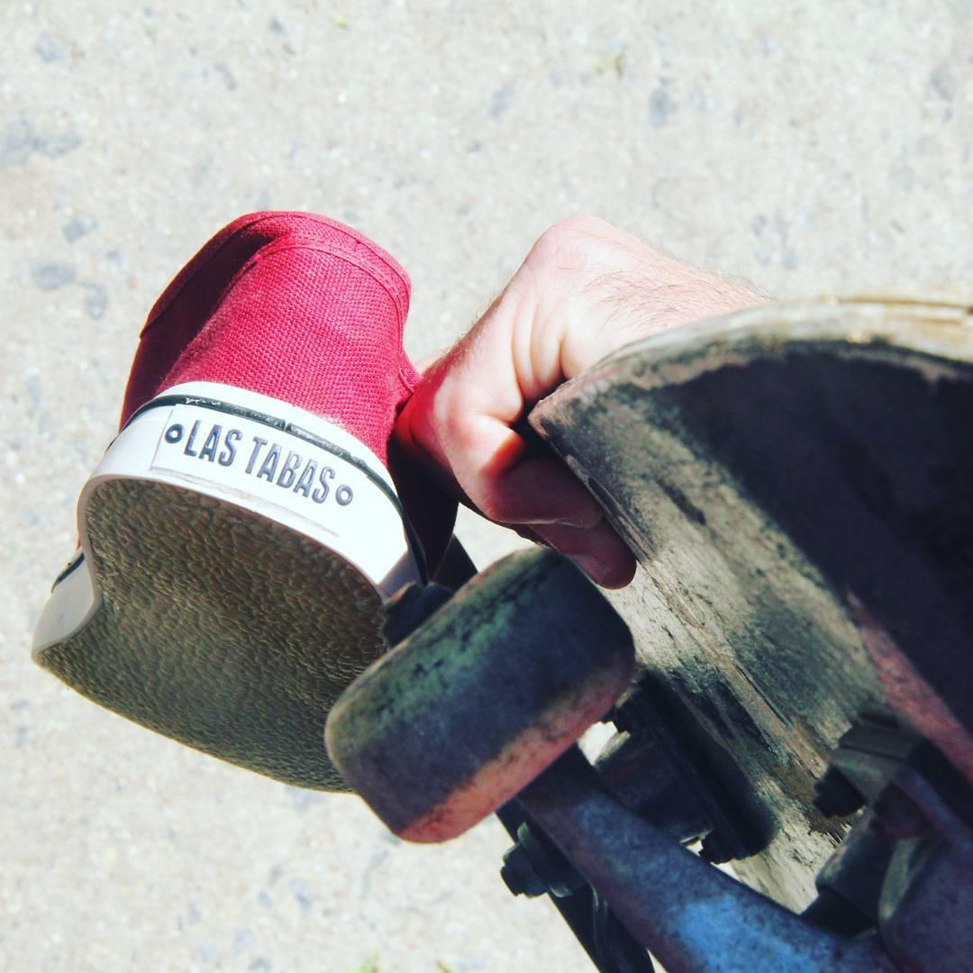 Queremos que deje de llover para poder seguir NO andando bien en skate! Conseguí las tuyas en www.lastabas.com  #vscocam #igersbsas #vscoargentina