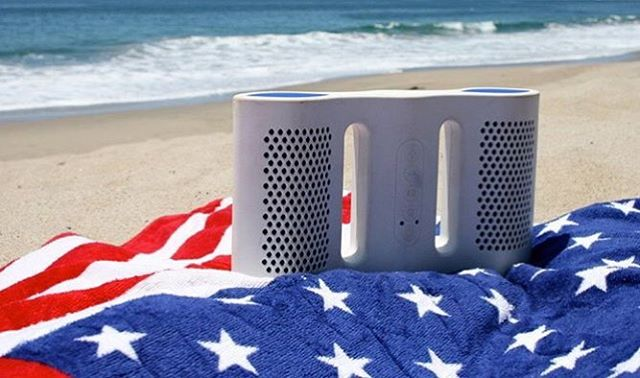 Fireworks...in your eardrums! Get 10% off Nyne speakers with the code NYNE10. Happy ‪#‎4thOfJuly! #discount #bluetoothspeaker #nyneaudio #waterproof #fireworks #redwhiteblue