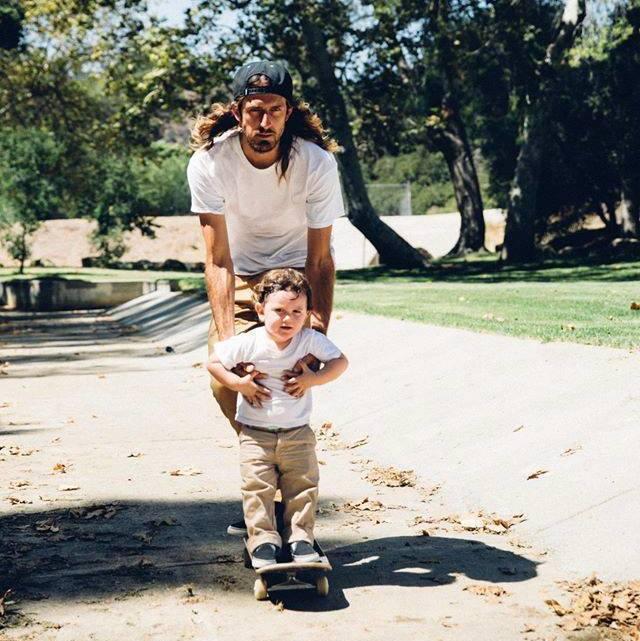 Nuevos caminos, nuevas experiencias. Felíz día del Padre.  #NeffArgentina #FathersDay #DiaDelPadre