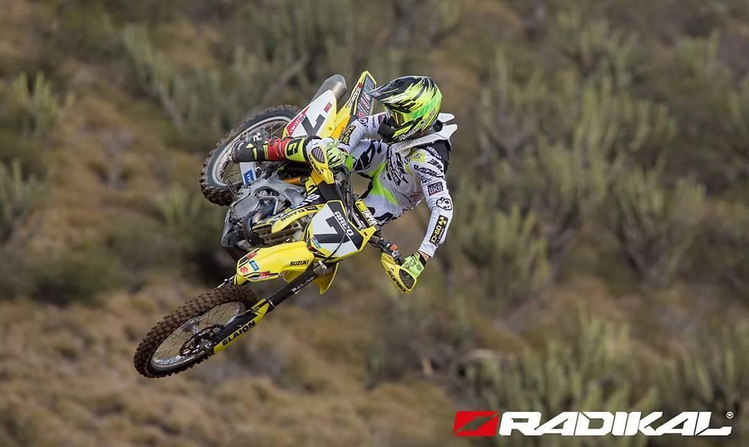 Otra gran postal de nuestro top rider @darioarco7 en el Argentino de Motocross, Copa @rad_60  Catamarca  #Round5 #radikalracing #RadikalMX #DA7 #Suzukimotosar #MX1 #radikalhelmet #voltseries #poweredbyvertigo #conam #somoselnacional  ph: Nico Jimenez.