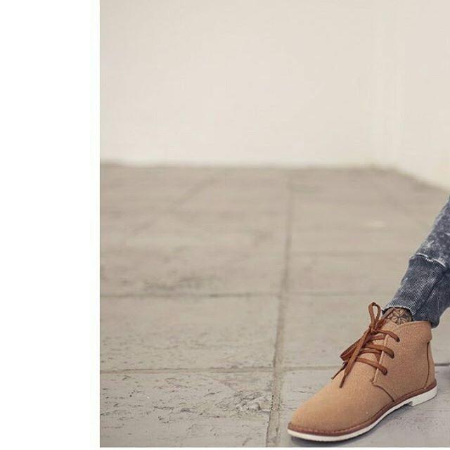 Arrancamos con el pie derecho la mañana! ☕ #boots #camel #Walker #boots