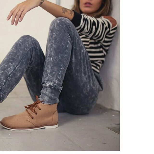 Mañana clásica #walkerboots #perkyshoesar  #coffee #shoes #boots #winter #walker #style