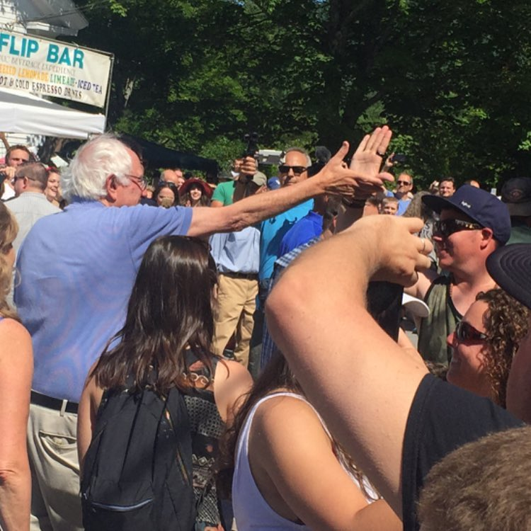 #highfivesfounder @roytuscany got to give a HIGH FIVE to @berniesanders yesterday at the Warren 4th of July