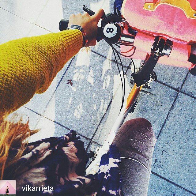 Hace como @vikarrieta, pedaleá cómoda y segura
