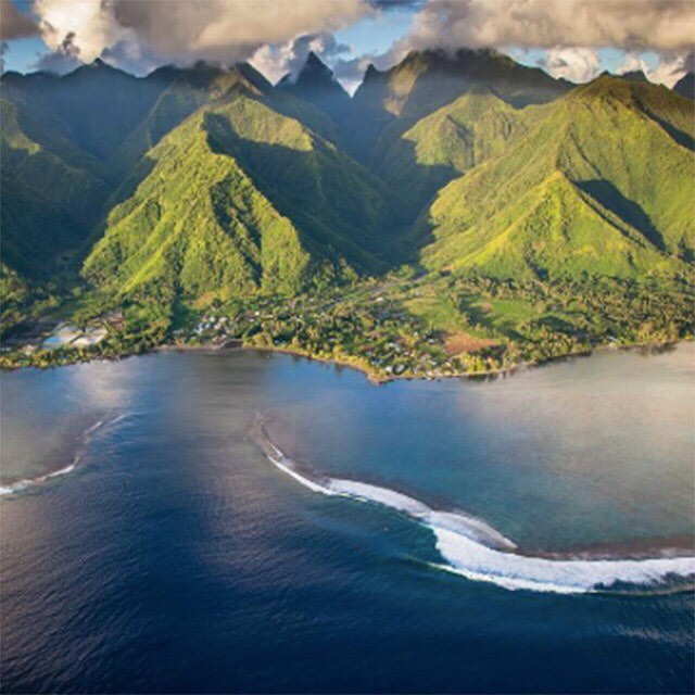 #Tahiti is calling. #Tofino too. Our latest blog post has all you need to know about our upcoming trips in collaboration with @TinyAtlasQuartery and @EarthMissions (link in bio). Who's down?!