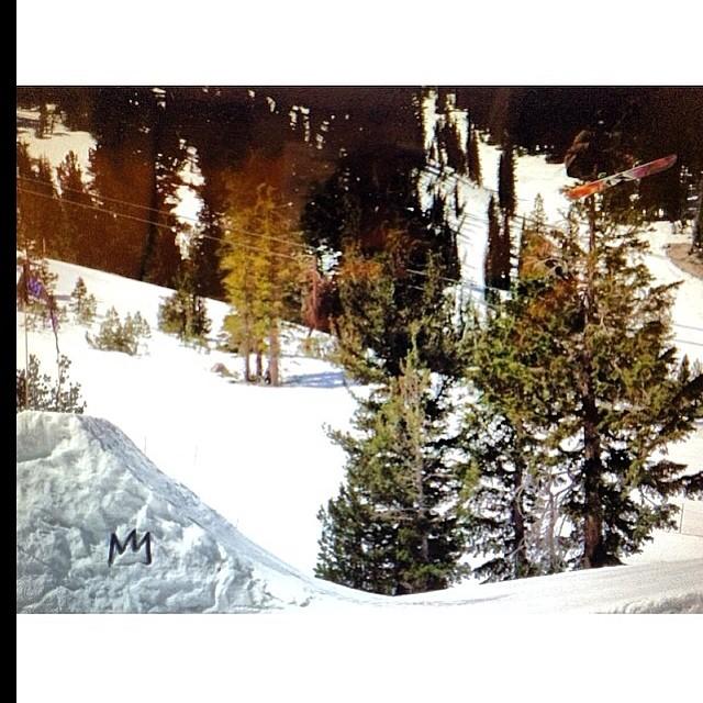 Repost @tomimateri y su despedida de @mammothunbound #VolcomSnow #Volcom #snow #TomiMateri