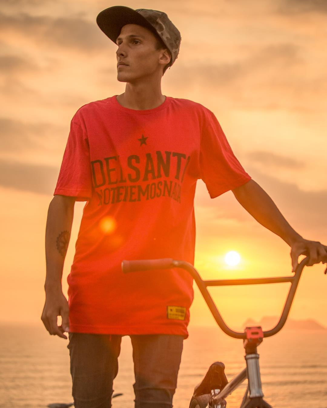 Raider @nicodelacosta  Fotografo @oscarpereiracadenas  Lugar #lima  @delsanto_  @delsantofamily @delsantoteam  #bmx  #team #brand #family #clothing  #peru