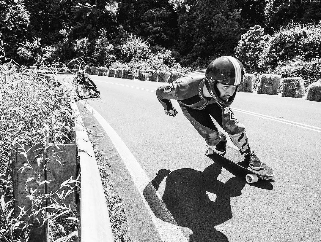 Sick snap that @jacoblambertphoto took of @apiihaia getting chased by  @crunchie_crunch at Mt Keira earlier this year. #PredatorHelmets #DH6 #mtkeira #longboarding #racing #radcrew #Regrann