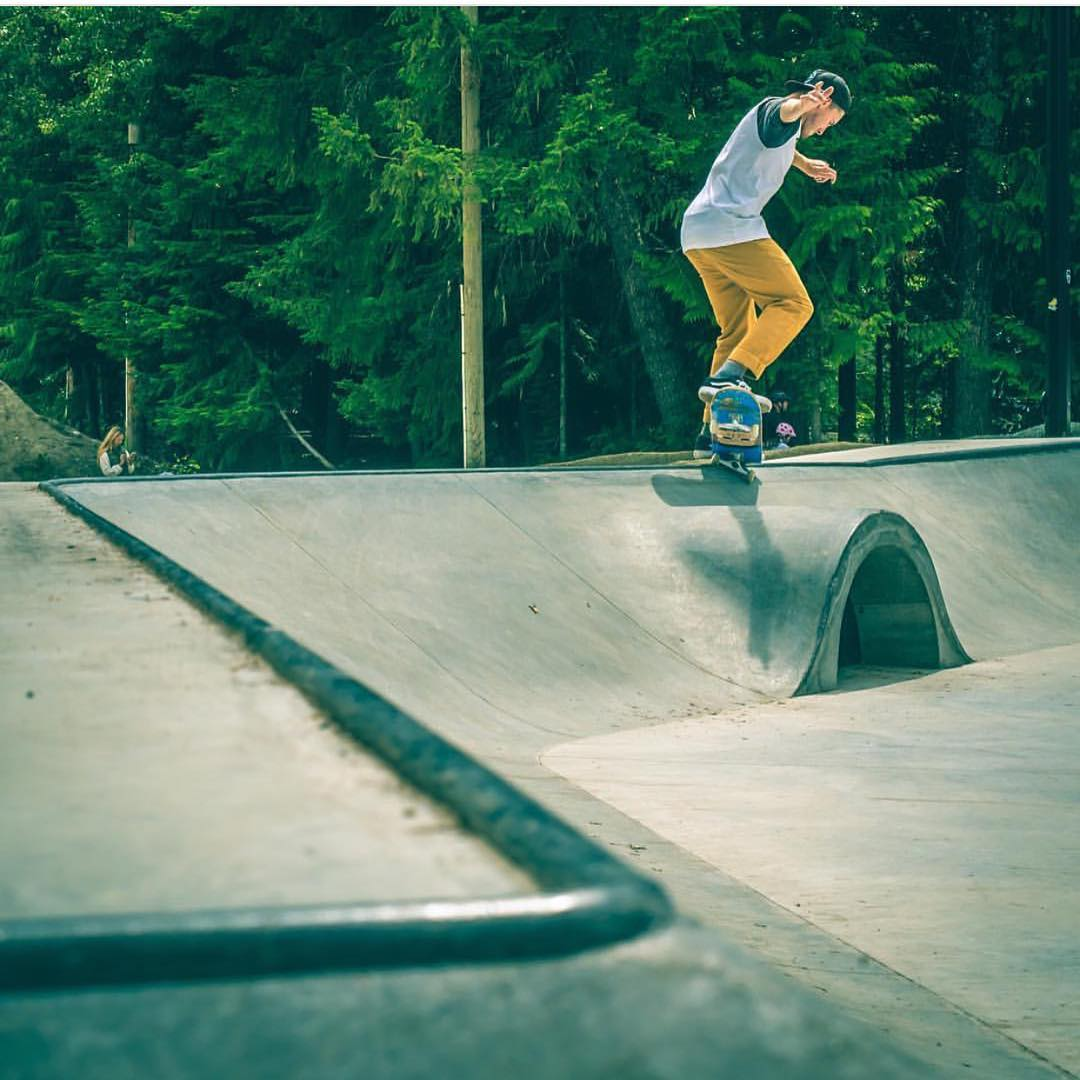 @blair_mckinney gets a little cross training in at @whistlerblackcomb skate park - #ElNiños #VonZipper #SupportWildLife