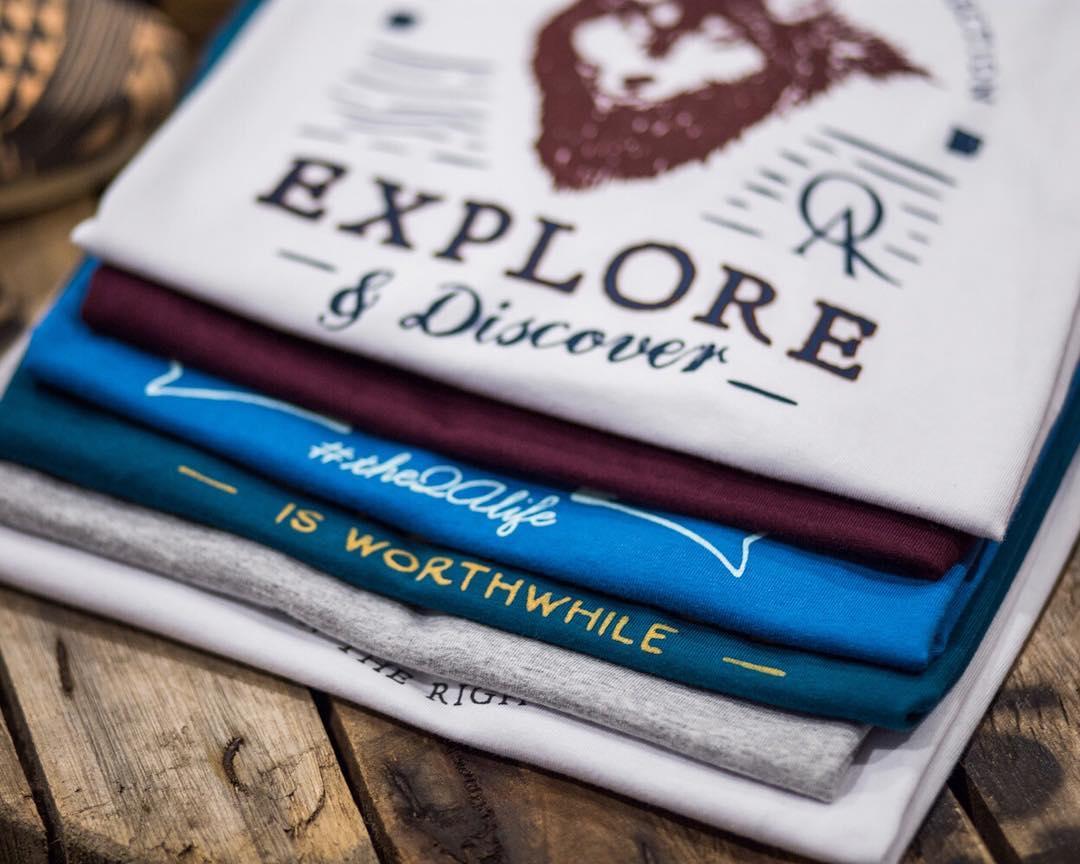 En QA tenemos un mensaje que intentamos transmitirte a través de nuestra ropa >> Explorá y Descubrí · #theQAlife · Vale la pena <<