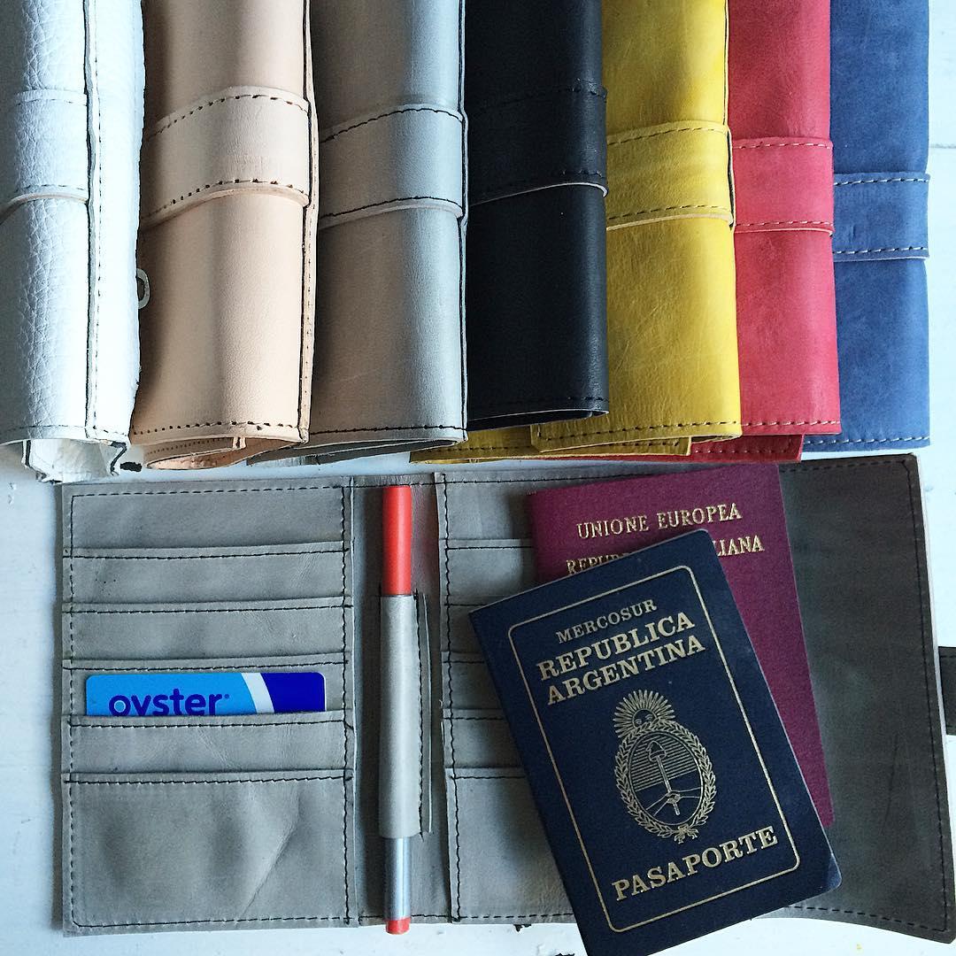 te vas de #viaje !? Llevate tu #portapasaporte #Pitimini #trabajojusto #sellobuendiseño #industriaargentina #tecnología #colores #cuero100% #travel #aventura #vacation