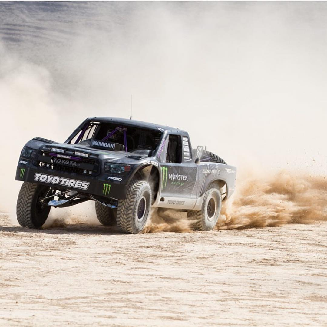 Who else loves @bjbaldwin's Trophy Tundra? #wedo #trophytruck