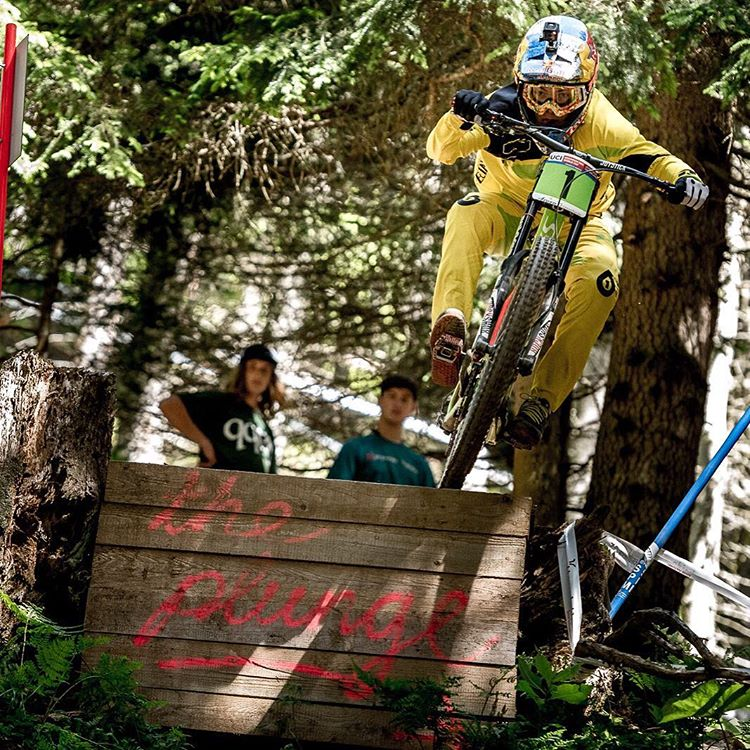 Yeah FinnO! Junior @finniles goes fastest in todays Lenzerheide qualification run. Siiick! #SixSixOne #661Protection #ProtectFun Photo @davetrumporephoto