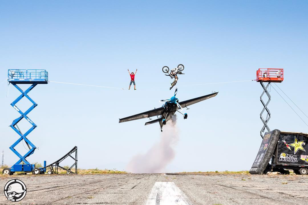 It's time! @JFitzo has #POACHED this desert airfield w| PILOT