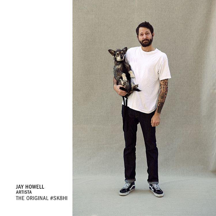 Jay Howell forma parte de la familia de artistas de @vans que están inspirados en la cultura del skateboarding. Este diseñador gráfico y animador emplea su estilo alegre en Bob's Burgers y Sanjay & Craig, dibujando a los personas con sus #Sk8Hi