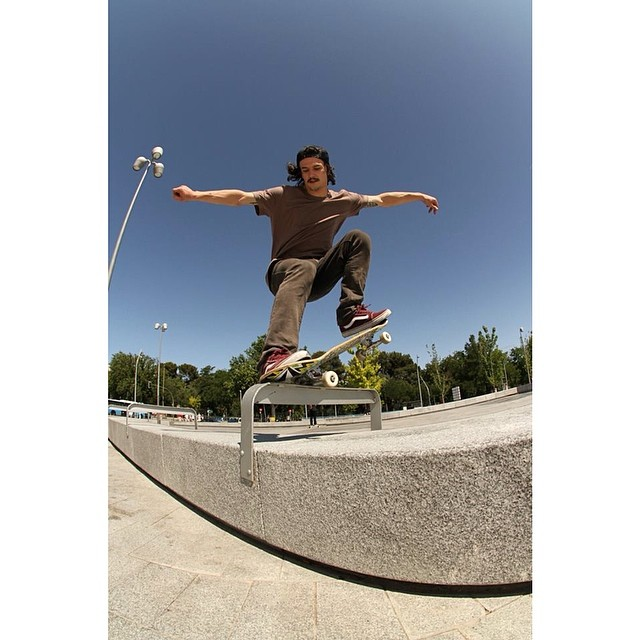 Frontside Nosegrind de @renatodonadei en Madrid by Facundo Stricker !