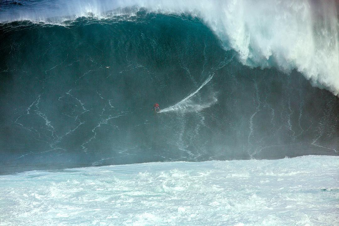Our World of ❌ Games #BigWaveAwards Show will air TODAY at 2 pm ET/3 pm PT on ABC! (
