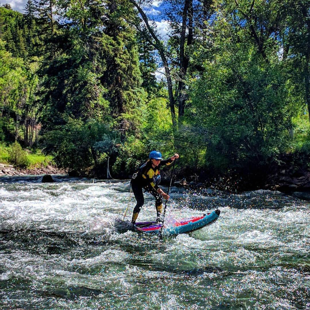 @trinwa stomping some white water on the Crystal River in Colorado! Board: #HalaAtcha86 Photo: @buckleycoldnwet  #halagear #adventuredesigned #paddlewithfriends #isup #inflatable #standuppaddle #paddleboarding #suplifestyle #adventurers #sup #supthemag...