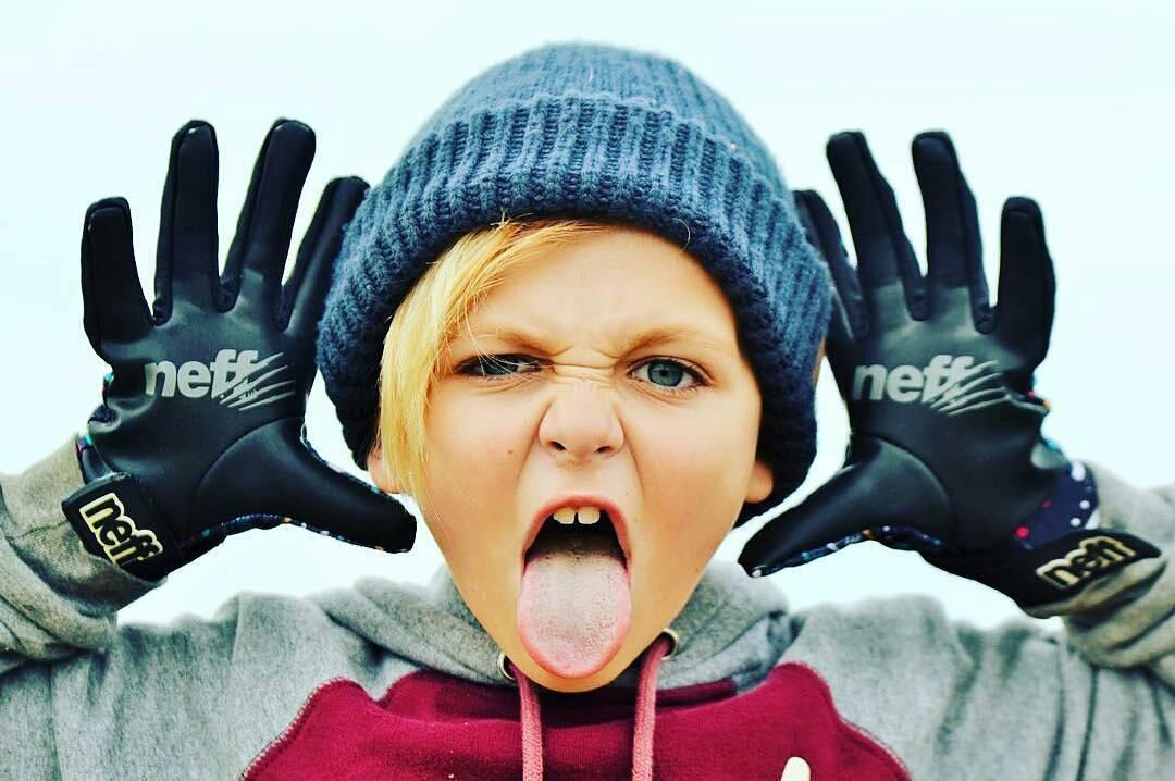 @maddoxpetrina -  Haaaaaaa yeahhhhhh @neffargentina #foreverfun @neffheadwear @sayasdtox #neff #snow #snowboarding #snowpark #elcolorado #neffargentina
