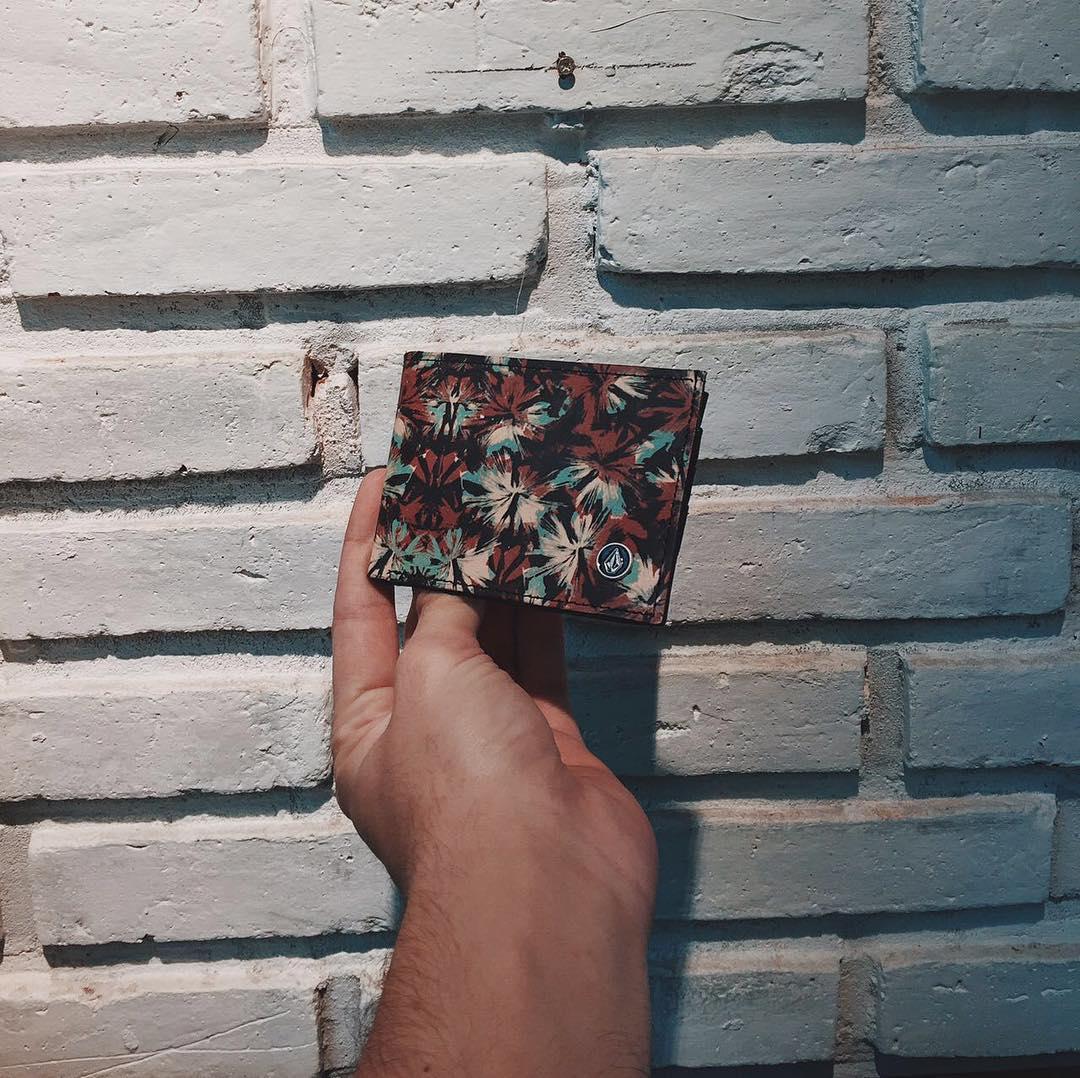 Accesorios en #Volcomstores Print Wallet Camo Floral #AW16