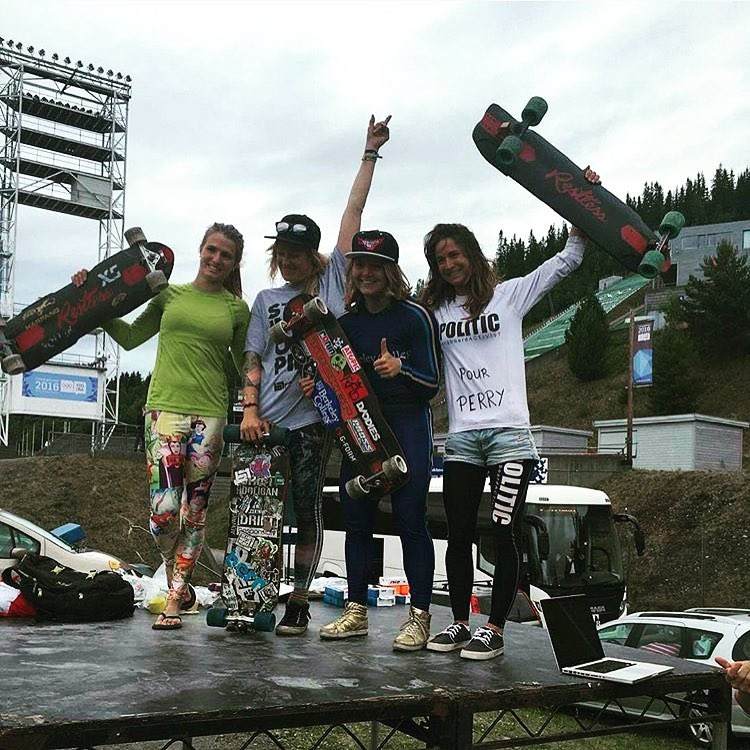 @idfracing TMI Lillehammer Women's Podium! 1. @emilylongboards  2. @lydebegue  3. @jennyschauerte  4. @cassandraduchesne  Congrats ladies! Sick track