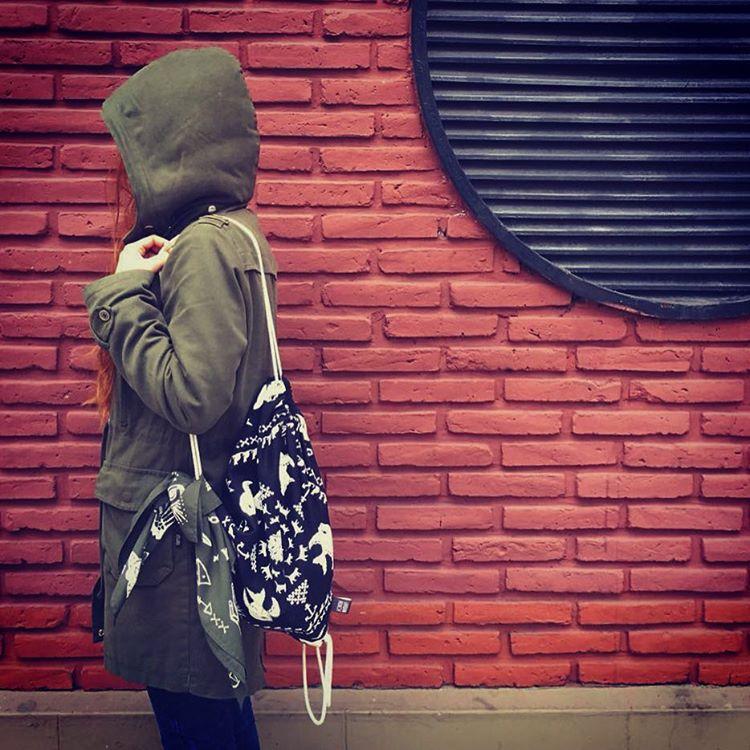 Look UR /// Bandana + MOchila #urbanroach #pixelart #mochila #bandana #look #style #lookoftheday #pixel #bandana #streetlook #urbano #buenosaires