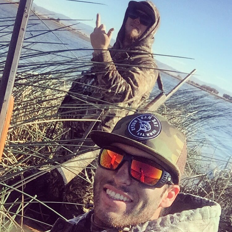Whether by air or by sea, we catch what we eat.  HOVEN waterman @jarreddavidson_  rocking The Meal Tickets along the California coast. #hovenvision #alwayssunblocking #neverfunblocking #justbusylivin #themadhueys #letuslive
