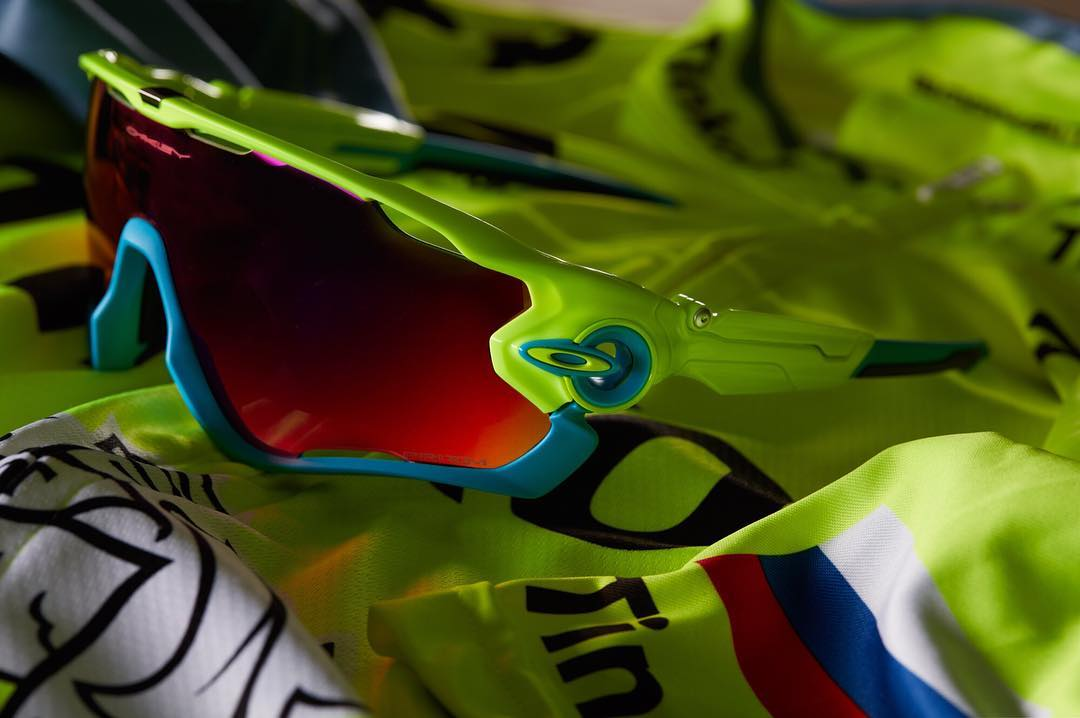 Show your spirit.  Represent @tinkoff_team with #OakleyJawbreaker. #OakleyCustom #TDF2016