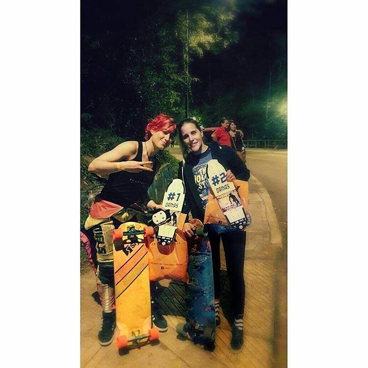 Día uno @Regrann from @sabrinaambrosibordo -  Alto finde de compe en el #IguazuDownhill2016  #Primera en categoría damas seguida de la genia de Naty Iglesias.  Corriendo en open clasificando 6 segundos detrás del mejor tiempo me tocó correr con el...