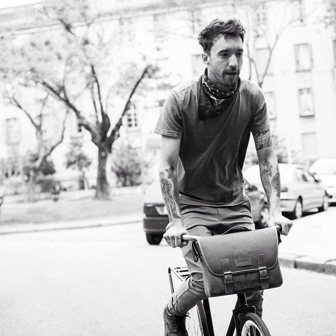 Arranquemos la semana de la mejor manera, en bici !