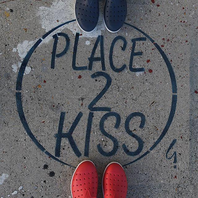 Y si nos besamos?