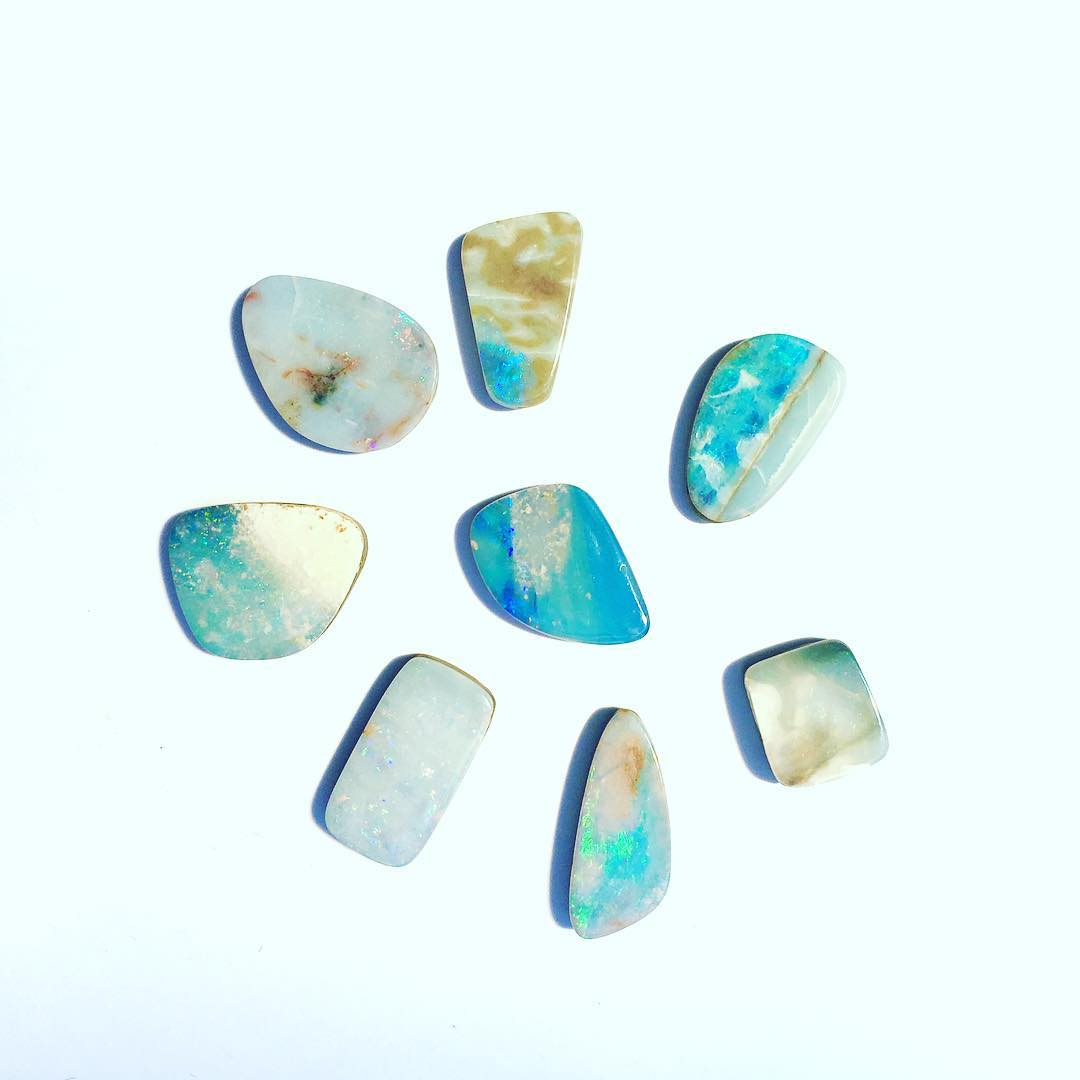 Good morning sunshine! I love it when custom opals become popular again, we get to categorize all the different shape, styles and colors. This beautiful array is a wild, bluish-Brown group of medium sized Australian Boulder Opals. #sopretty  Check your...