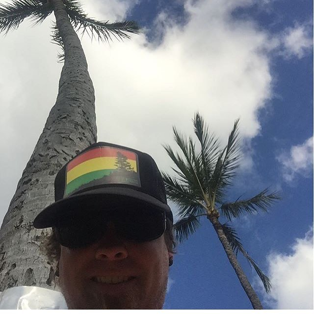 Keeping the vibes irie! @millerjeff79 reppin Rise Designs in Maui. #risedesigns #inspiredbynature #risedesignstahoe #truckerhat