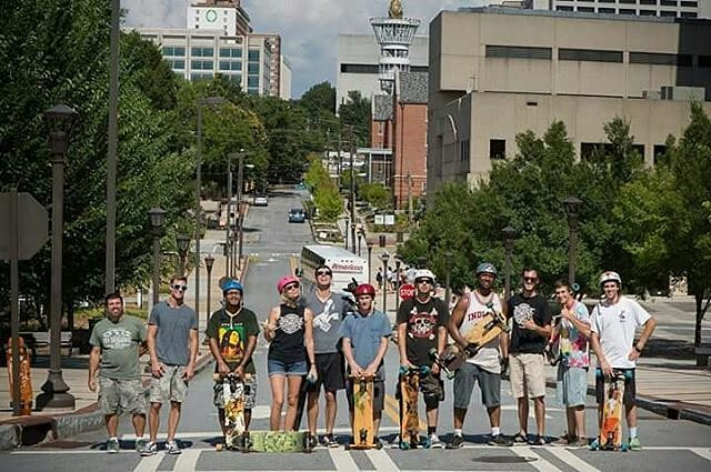 The Atlanta Freebord crew holding it down and showing up in numbers for this year's Spread the Shred in ATL. Thanks for the picture, Nate (@naterbater_baconbits)! - - - - - - - - #Freebord #snowboardthestreets #freebording #sts #spreadtheshred...