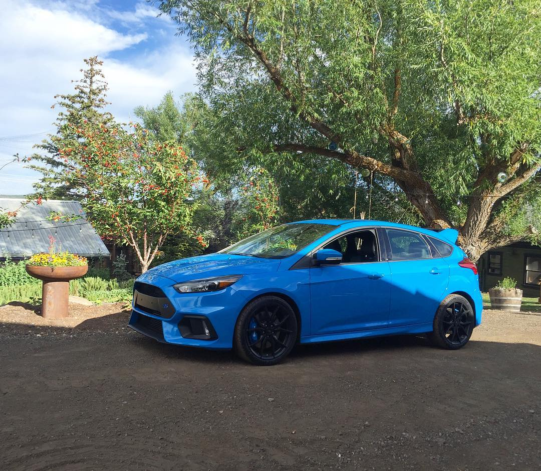 My new Ford Focus RS is getting heavy usage already here at home. Summer time usage. You know, like taking our kiddies to a BBQ at our friend @BillWhitePC's Farm. Ha. I really like this thing - and so do my kids. #dailydriver #kidapproved...