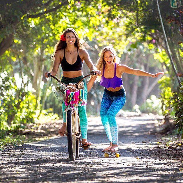 LIVE EFFORTLESSLY  #sea to #street to #studio  @meggels_ & @kaleiadeal by @jimrussi #functionalfashion #bike #hawaii #northshore #bikepath