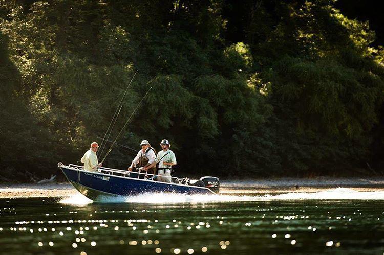 Buscando ese spot.  Ph. Isaias Miciu  #flyfishing #chillingambassadors