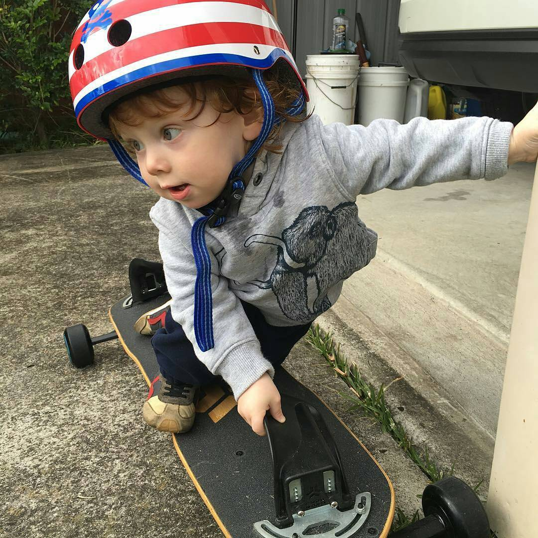 Start 'em young! Look at the steeze! Photo credit goes to Jason @coursa. Make sure you send us some video when this little guy starts shredding! - - - - - - - - - - - #freebord #snowboardthestreets #startemyoung