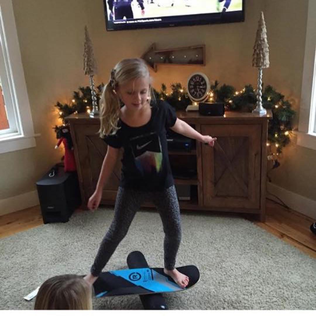 Little sis is amazed!