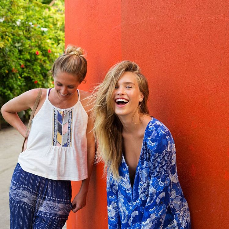 All smiles on island time with @stephaniegilmore + @crossandbone
