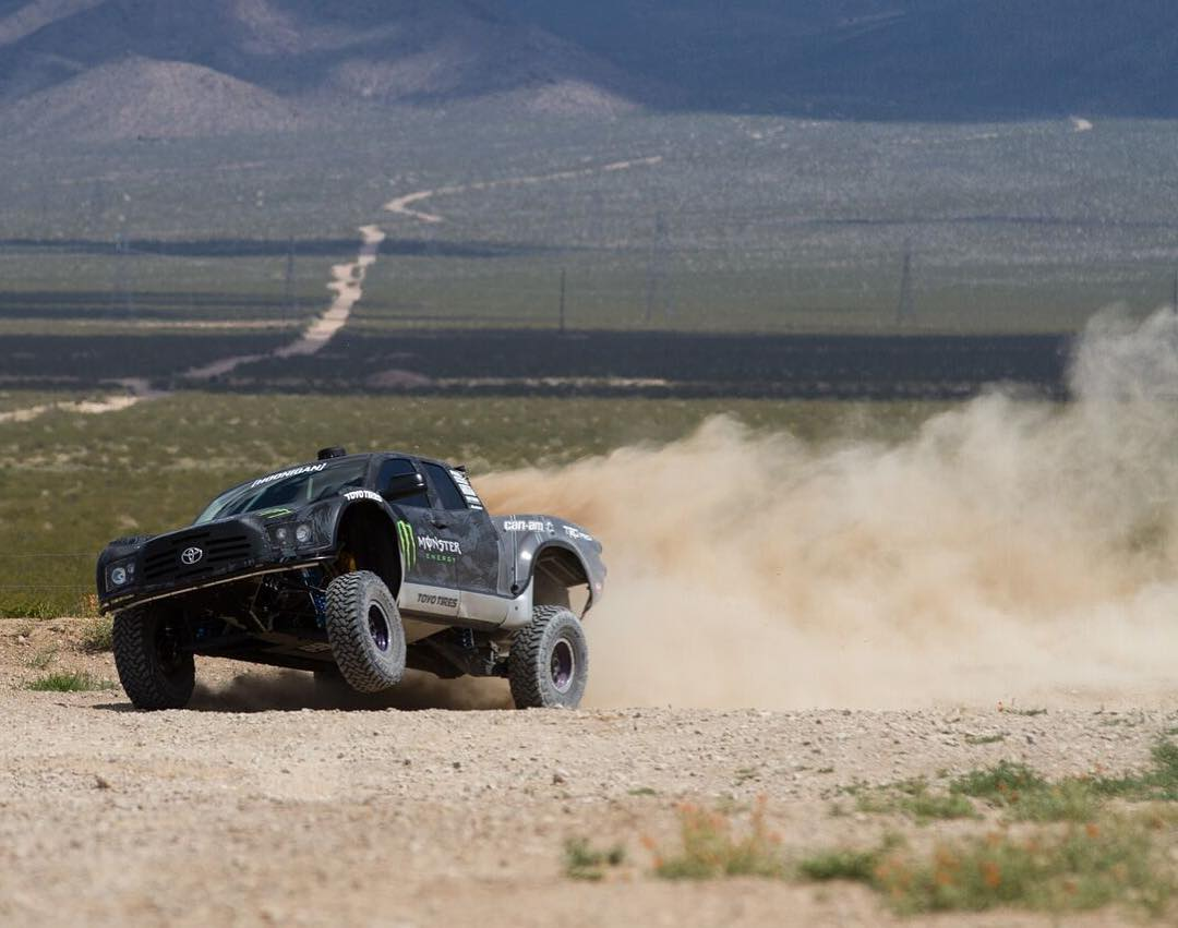 That travel! @bjbaldwin putting the prerunner through its paces. Could it also be #wheeliewednesday?